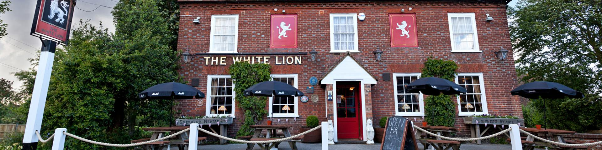 White Lion, Selling, Faversham Swingsign